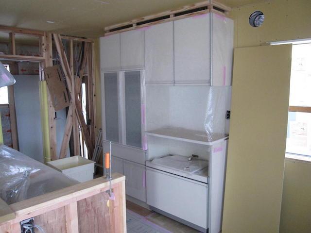 箕輪町中箕輪 ar様邸 標準食器棚組立