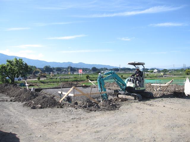 丁張り設置から基礎工事2-伊那市上牧Ka様邸
