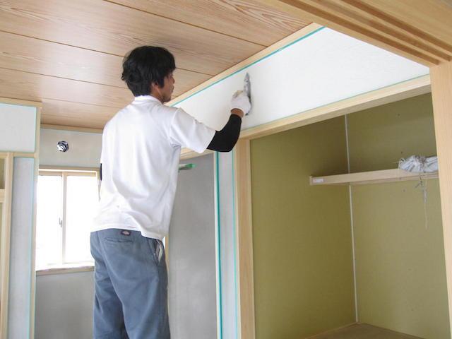 内装仕上開始1しっくい塗り-伊那市日影Mt様邸