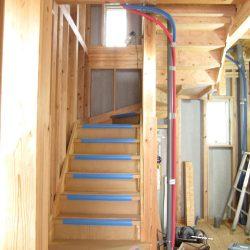 階段組立完了しました2-伊那市富県H様邸