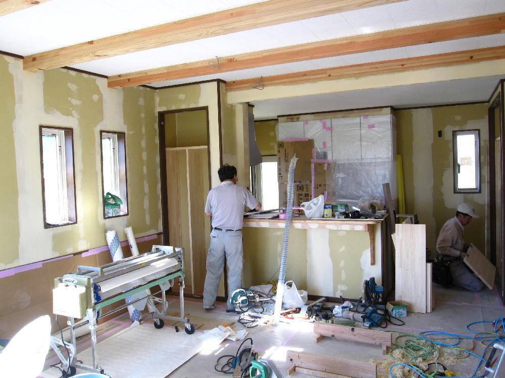 飯島町七久保にてTk様邸のクロス工事を行いました