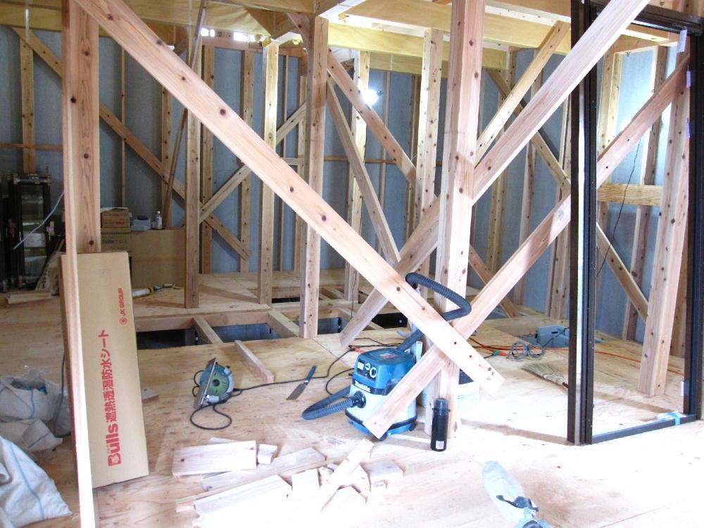 大工工事-床下貼り