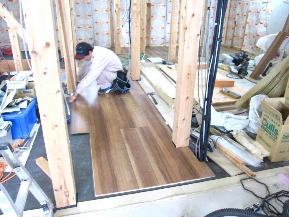 2階床貼りペット対応フロアー施工-伊那市富県Uh様邸